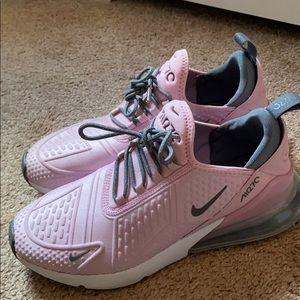 Light pink/gray Nike 270 girls size 7 women 8